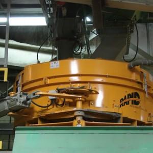 Rapid pan concrete mixer and planetary concrete mixer