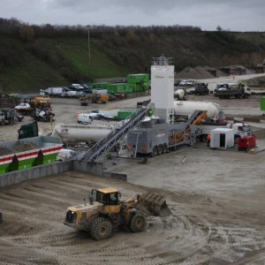 Gallagher Group Kent Rapidmix mobile continuous concrete mixing plant pugmill HBM (Hydraulically Bound Material) and RCC (Roller Compacted Concrete)